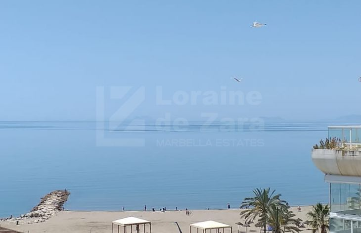Spacious three bedroom apartment located on the beachfront in Marbella center