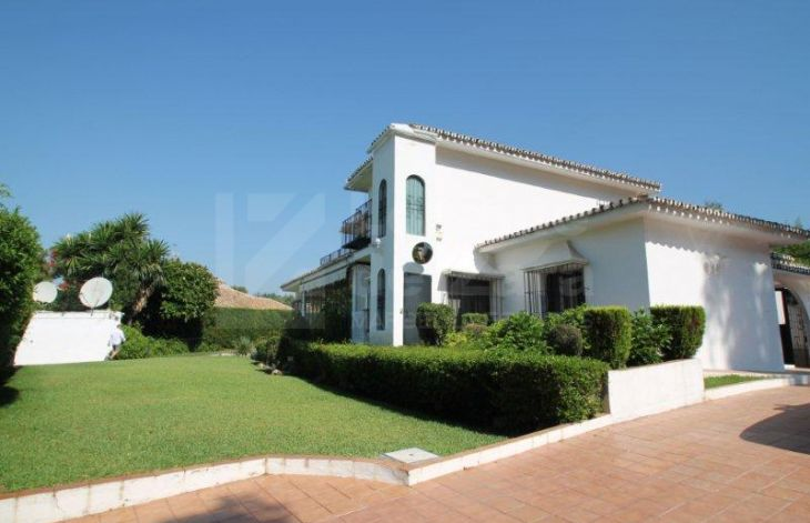 4 bedroom villa located a few meters from the center of Marbella