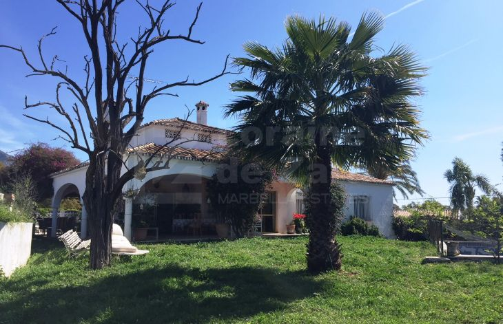 Nice house from the seventies to reform on the Golden Mile of Marbella