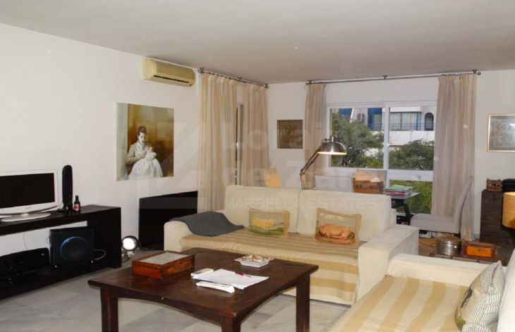 Spacious apartment with garage and storage room in Marbella Centro