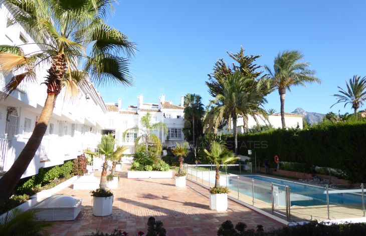 Great three-storey apartment on the Golden Mile of Marbella