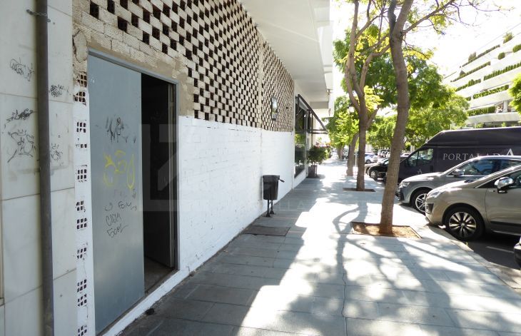 Super unfinished business premises in Marbella center