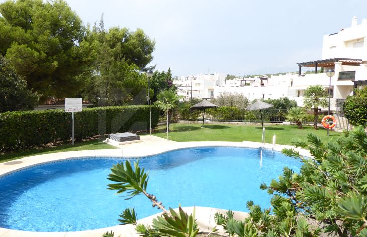 Two bedroom apartment in urbanization a few minutes from the center of Marbella