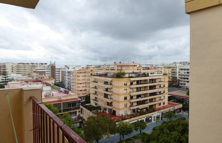 Spacious three bedroom apartment with garage in the center of Marbella
