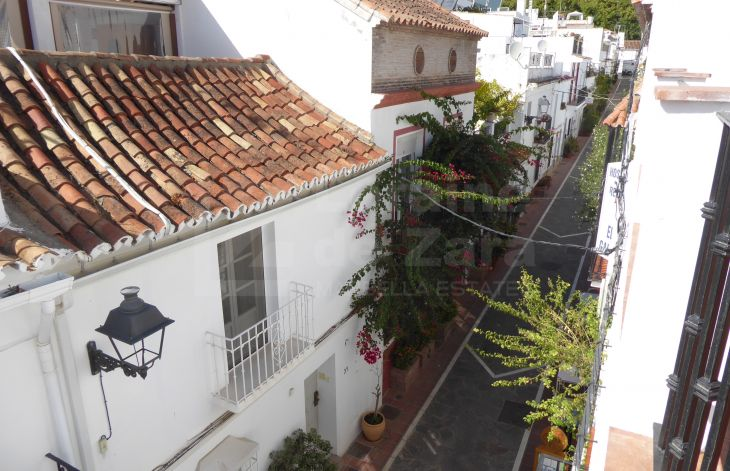 Townhouse converted into 4 apartments in the old town of Marbella