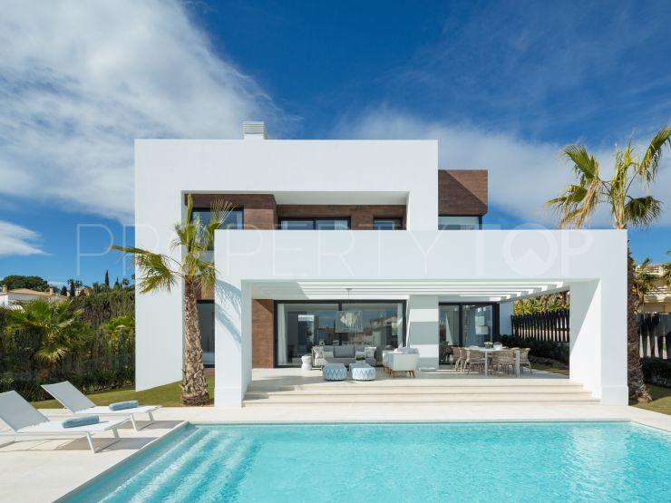 Villa for sale in El Pilar with 4 bedrooms | Cleox Inversiones