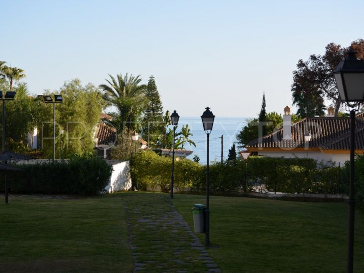 nice apartment for sale in nagueles marbella