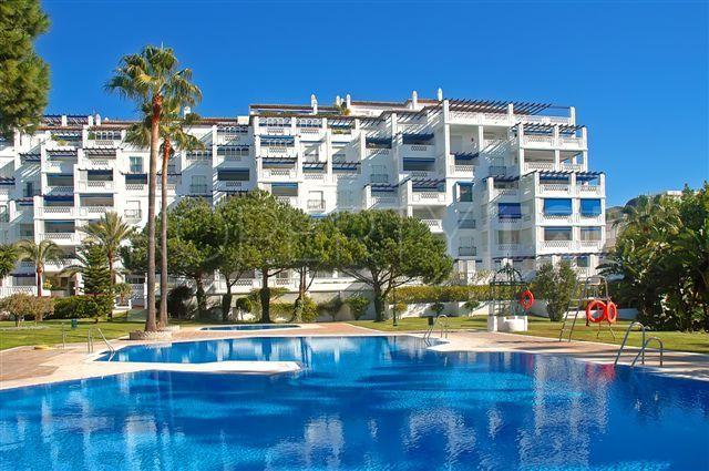 3 bedrooms Playas del Duque apartment | Inmobiliaria Luz