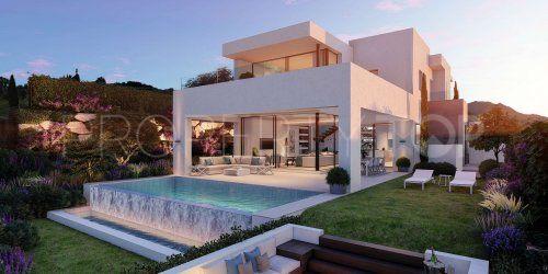 Buy Estepona villa with 3 bedrooms | Inmobiliaria Luz