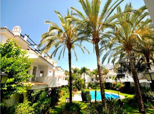 For sale apartment in Los Naranjos de Marbella | Inmobiliaria Luz