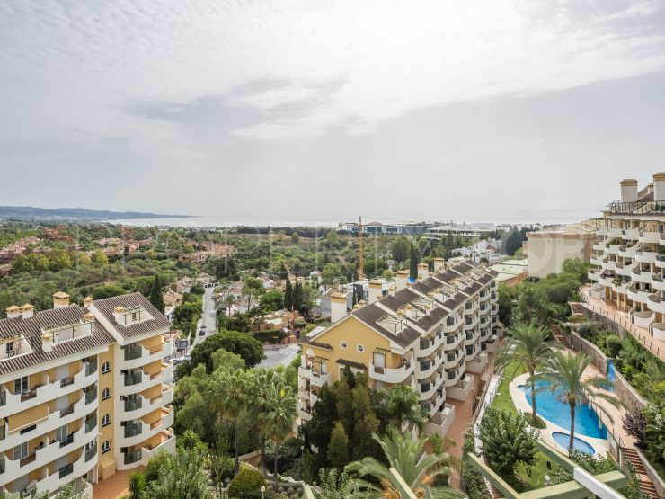 For sale penthouse in Señorio de Aloha with 2 bedrooms | Nueva Vida Marbella