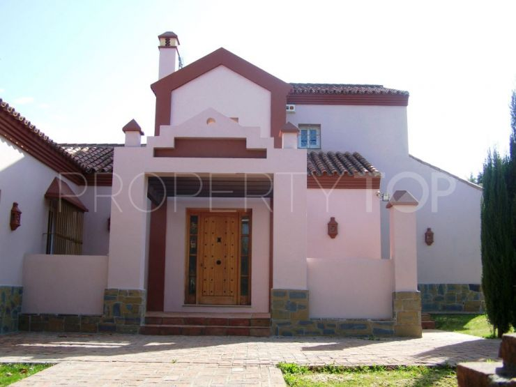 Buy villa with 3 bedrooms in Sotogrande Costa | KS Sotheby's International Realty