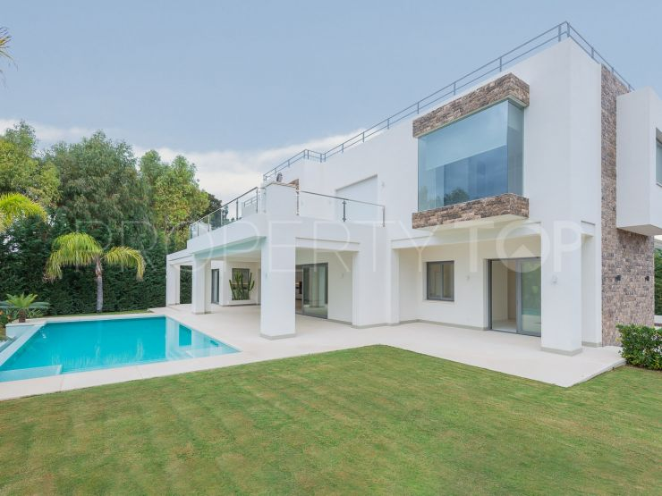 For sale villa in Casasola with 5 bedrooms | Pure Living Properties
