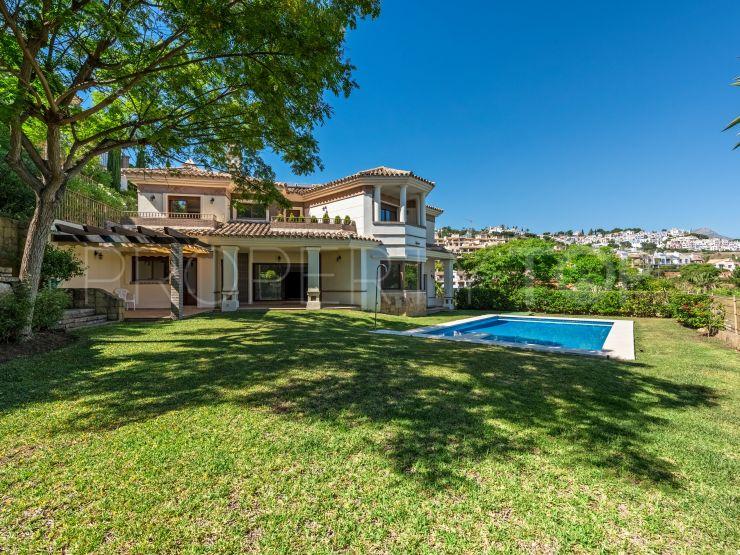 For sale villa with 5 bedrooms in Los Arqueros, Benahavis | DM Properties