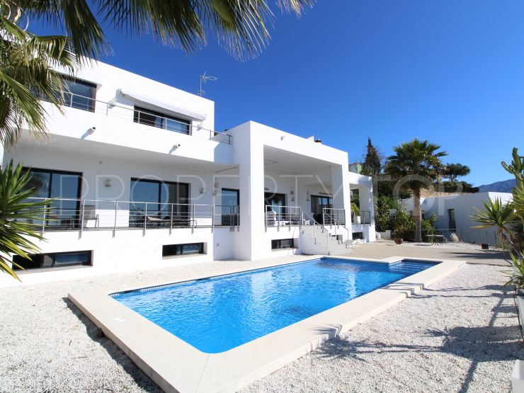 For sale Puerto del Capitan 5 bedrooms villa | Magna Estates