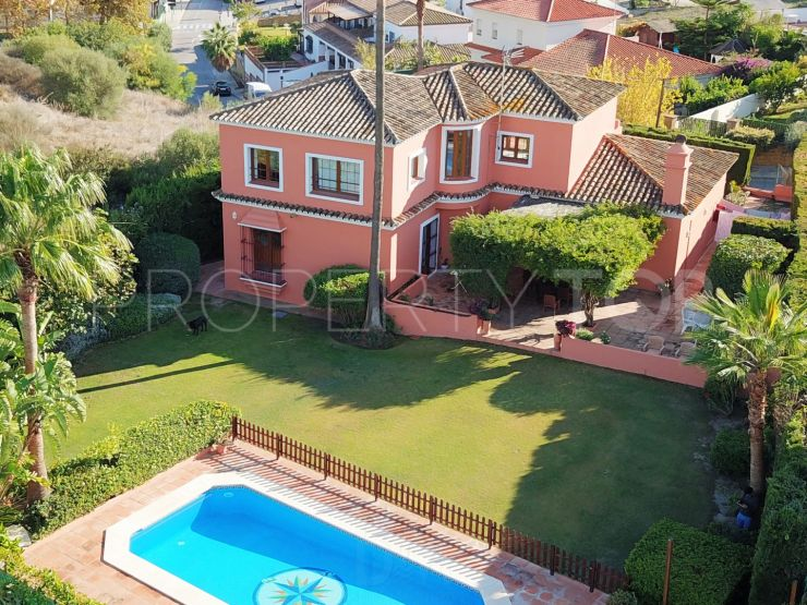 For sale villa with 5 bedrooms in Pueblo Nuevo de Guadiaro | BM Property Consultants