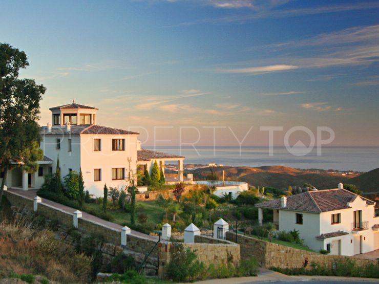 For sale 6 bedrooms villa in Marbella Club Golf Resort, Benahavis | Bemont Marbella