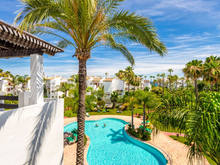 2 bedrooms Costalita penthouse for sale | Bromley Estates