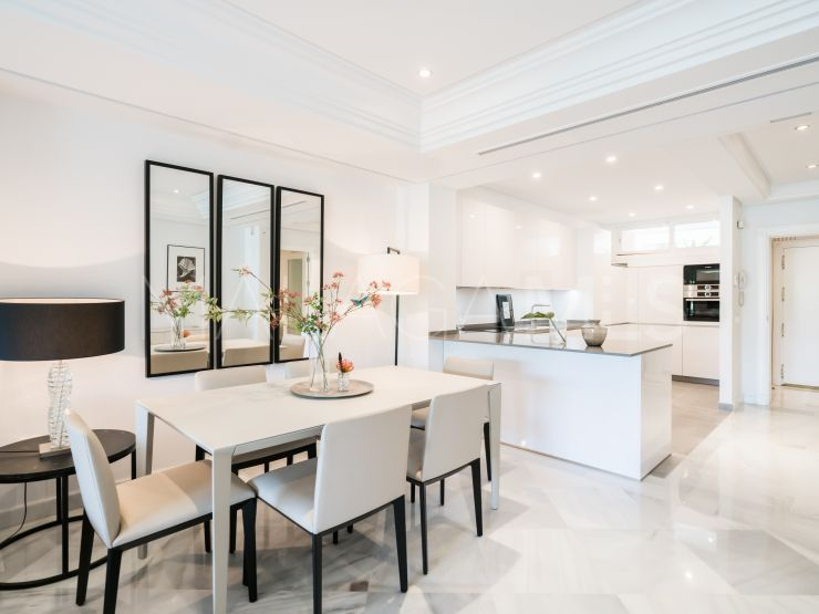 For sale apartment with 2 bedrooms in Marina Mariola, Marbella Golden Mile | Drumelia Real Estates