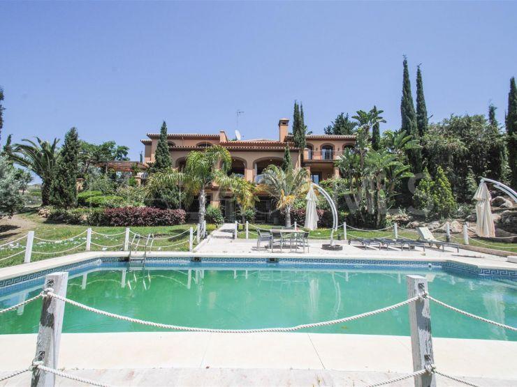Villa for sale in La Alqueria with 6 bedrooms | Cosmopolitan Properties