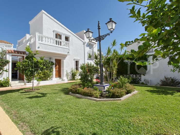 For sale bungalow with 2 bedrooms in El Pirata, Estepona   Cosmopolitan Properties