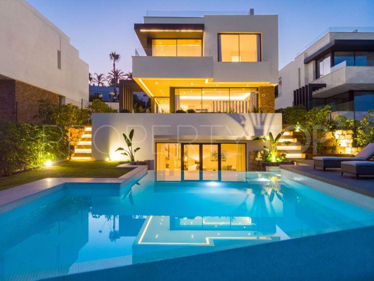 For sale villa with 4 bedrooms in El Campanario, Estepona | Inmobiliaria Luz
