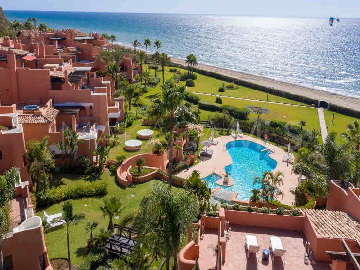 For sale duplex penthouse with 3 bedrooms in La Morera, Marbella East | Inmobiliaria Luz