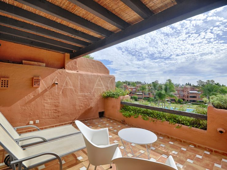 For sale 4 bedrooms duplex penthouse in Alhambra del Golf, Estepona | Benarroch Real Estate
