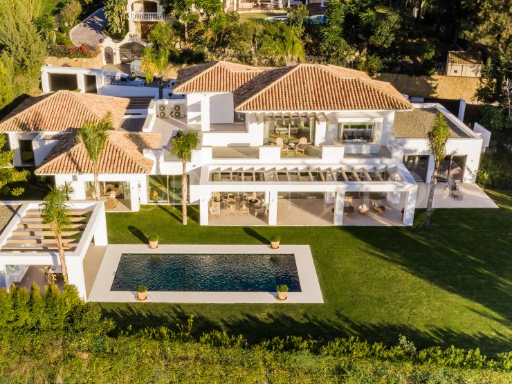 Buy El Paraiso villa with 5 bedrooms | Benarroch Real Estate