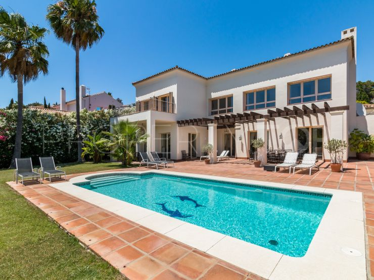 For sale villa in Zona F with 5 bedrooms   Holmes Property Sales