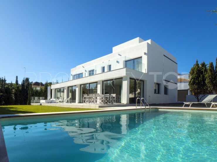 For sale Nueva Andalucia villa with 5 bedrooms | Absolute Prestige