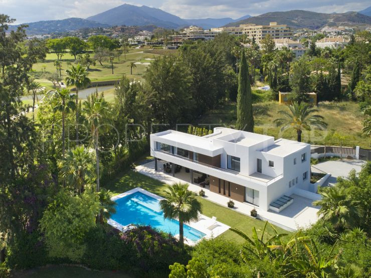 For sale villa with 5 bedrooms in Las Brisas, Nueva Andalucia | Panorama