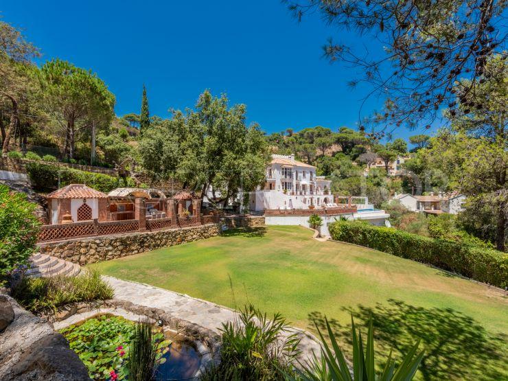 For sale 7 bedrooms villa in El Madroñal, Benahavis   Panorama