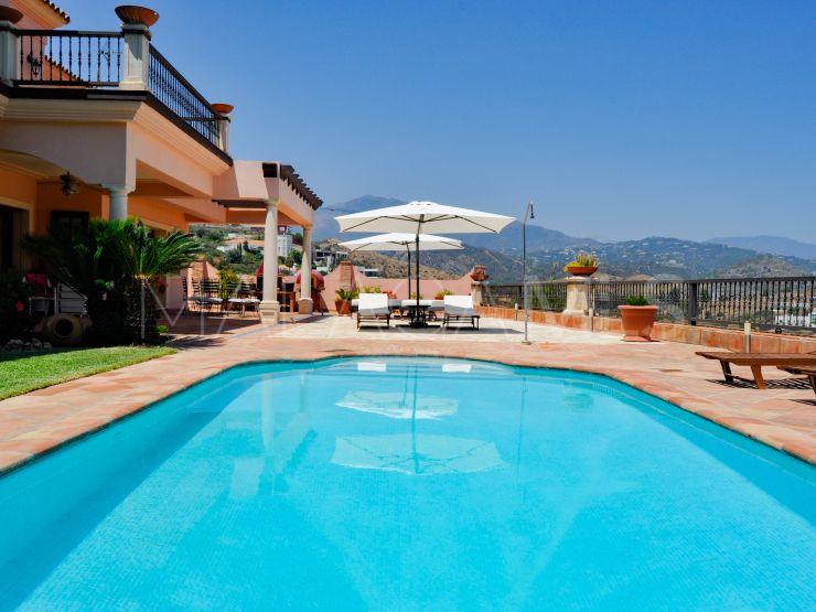 Villa for sale in La Alqueria, Benahavis | Kavan Estates