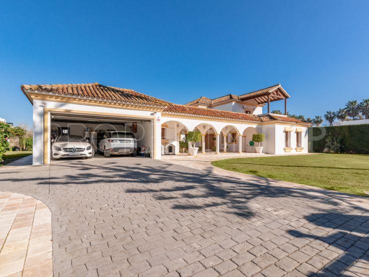 Buy villa with 5 bedrooms in Sotogrande Costa | Noll & Partners