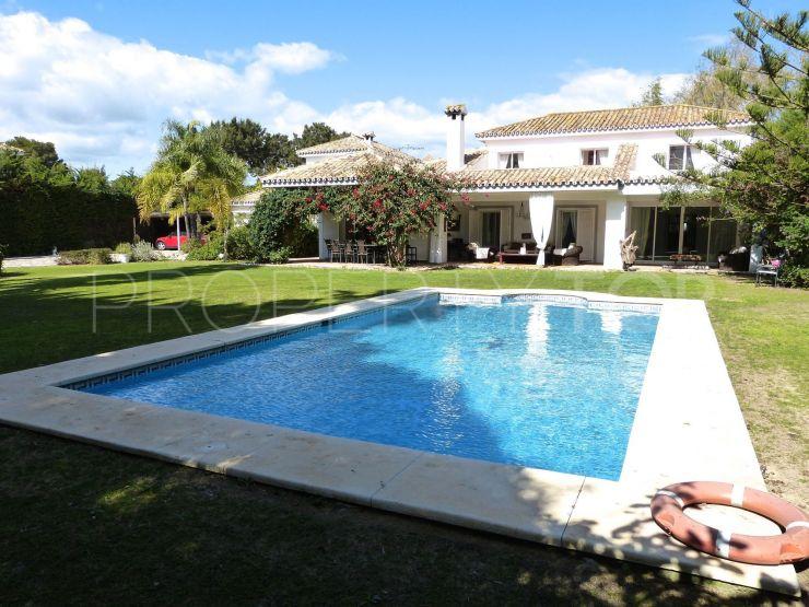 For sale Kings & Queens villa with 5 bedrooms | Noll Sotogrande