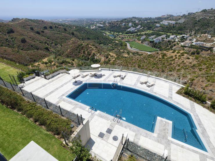 For sale 3 bedrooms penthouse in La Quinta, Benahavis   Lucía Pou Properties