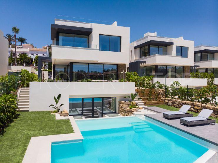 Buy villa in New Golden Mile | Lucía Pou Properties