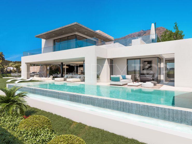 For sale villa in Estepona with 4 bedrooms | Lucía Pou Properties
