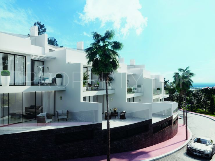 Buy town house with 3 bedrooms in Benalmadena | Lucía Pou Properties