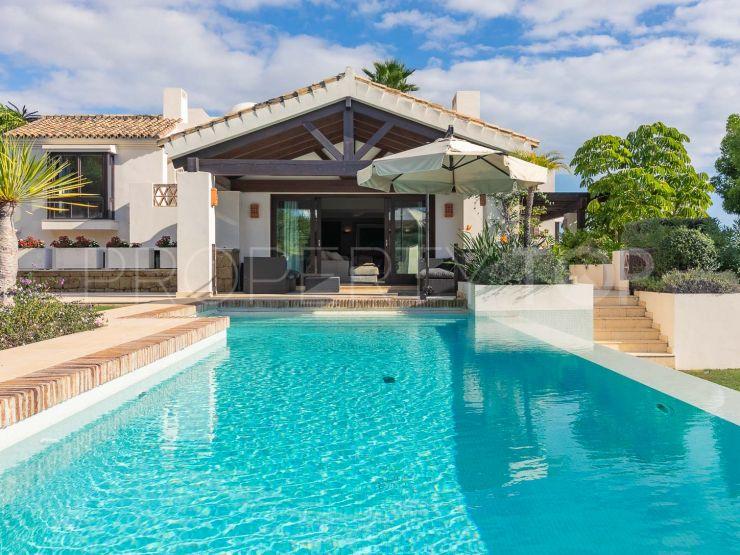 6 bedrooms El Paraiso villa for sale | Lucía Pou Properties