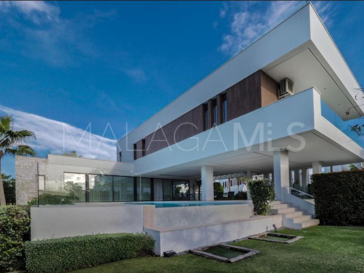 Buy villa in La Alqueria | Berkshire Hathaway Homeservices Marbella