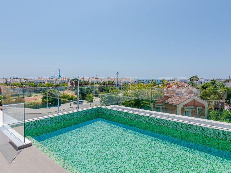 For sale villa with 4 bedrooms in San Pedro de Alcantara | Berkshire Hathaway Homeservices Marbella