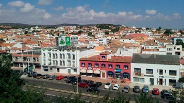 4 bedrooms commercial premises in Pueblo Nuevo de Guadiaro for sale | Sotogrande Home