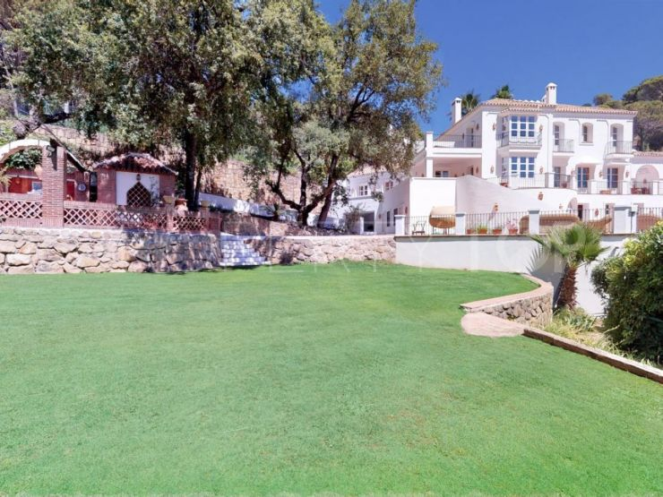 7 bedrooms El Madroñal villa for sale | Key Real Estate