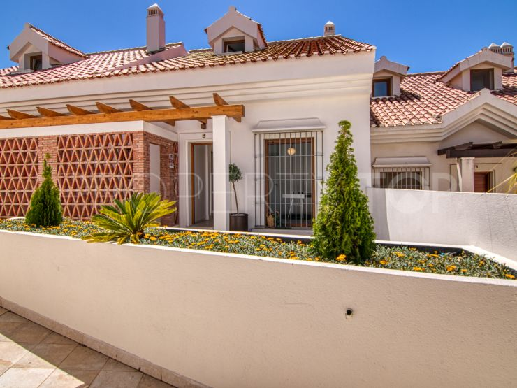 Buy town house in Reserva del Higuerón with 4 bedrooms | Key Real Estate