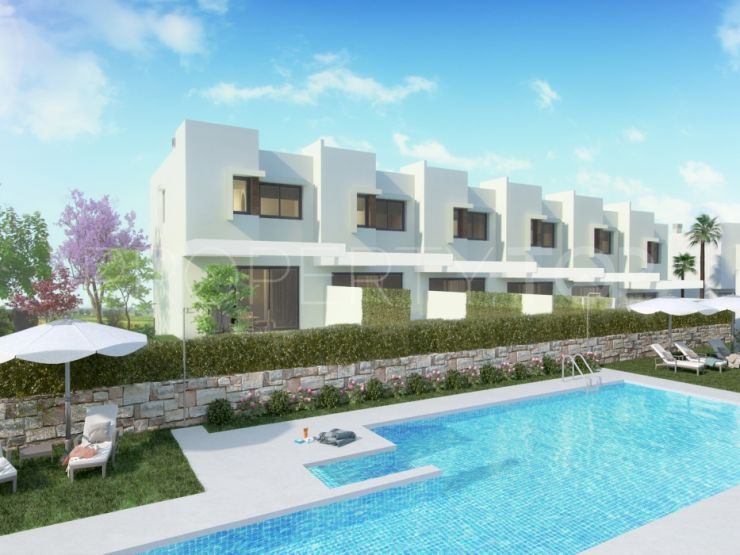 Adosado de 3 dormitorios a la venta en Alhaurin de la Torre   Marbella Maison