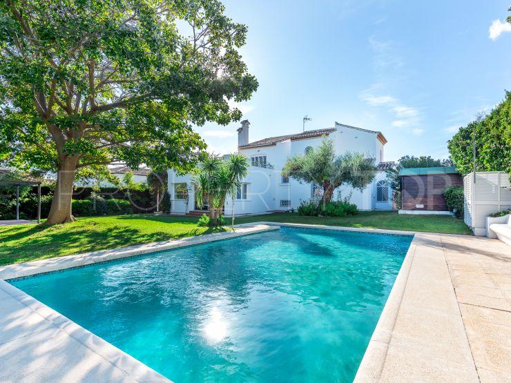 Chalet for sale in Cerrado de Elviria with 5 bedrooms | LibeHomes