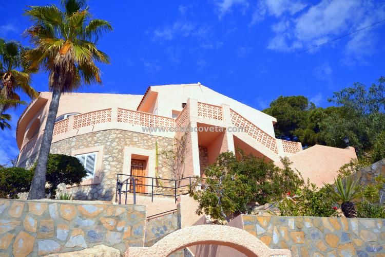 Encantadora casa mediterránea con piscina en la Coveta Fuma