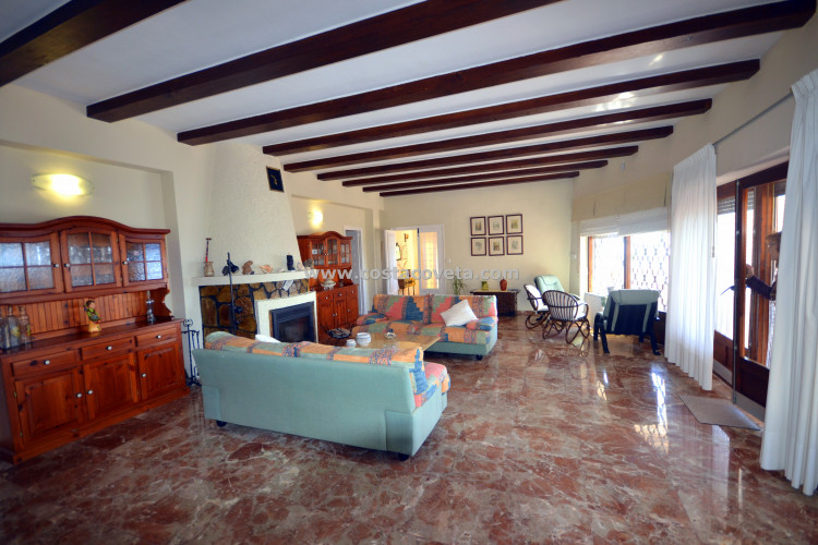 Charming Mediterranean house in Spanish architectural style with pool in la Coveta Fuma